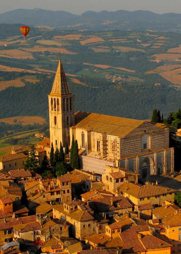 Tempio_di_San_Fortunato,_Todi